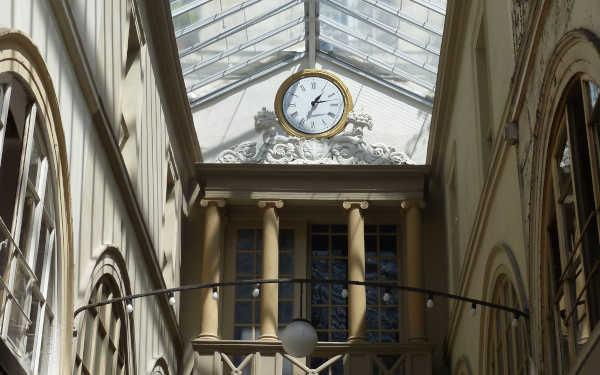 Des passages aux Grands Magasins, Zola, une histoire du commerce parisien